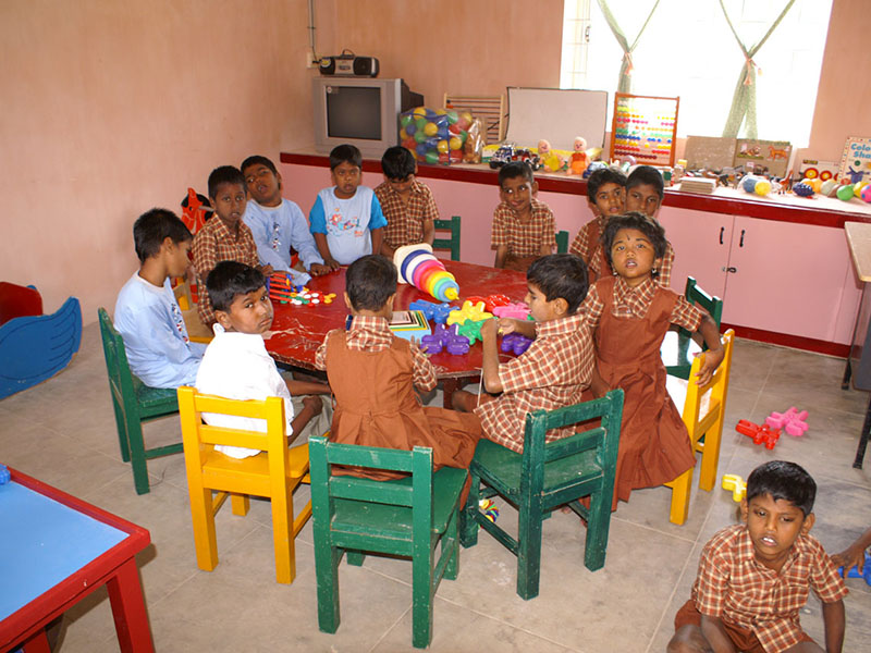 Primary class at Anbumalar